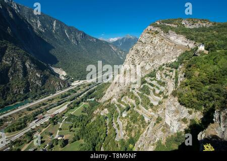 France, Savoie, Maurienne, on the largest cycling area in the world, the incredible winding road of Montvernier near Saint Jean de Maurienne where regularly passes the Tour de France, general view and the valley of the Arc - Stock Photo