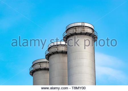 Industrie Schornstein bzw. Schlote in einer Industrieanlage - Stock Photo