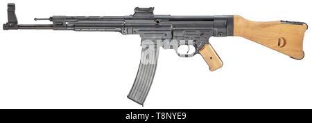 An SL-rifle ssd mod  BD 44 Cal  8 x 33, no  0505  Mirror