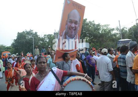 Kolkata, India. 14th May, 2019. Kolkata BJP National president Amit shah's road show. Credit: Sandip Saha/Pacific Press/Alamy Live News - Stock Photo