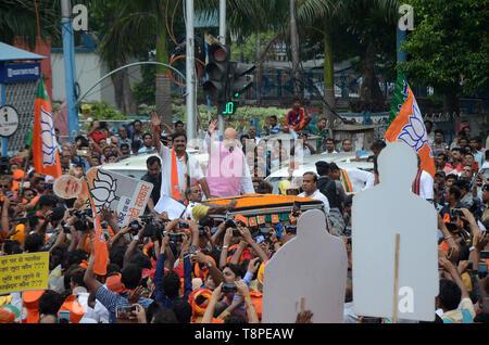 Kolkata, India. 14th May, 2019. Kolkata on 14th May2019 BJP National president Amit shah's road show. Credit: Sandip Saha/Pacific Press/Alamy Live News - Stock Photo