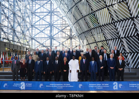 Brussels, Belgium. 14th May 2019. European Union foreign and defence ministers and their counterparts of the G5 Sahel   pose for a family photo. Credit: ALEXANDROS MICHAILIDIS/Alamy Live News - Stock Photo