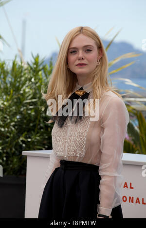 Cannes, France. 14th May, 2019. Jury member and Actress Elle Fanning at the Jury photo call at the 72nd Cannes Film Festival, Tuesday 14th May 2019, Cannes, France. Credit: Doreen Kennedy/Alamy Live News - Stock Photo