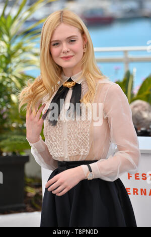Cannes, France. 14th May, 2019. Elle Fanning at the photocall for Jury at the 72nd Festival de Cannes. Credit: Paul Smith/Alamy Live News - Stock Photo