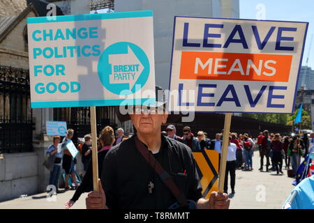 London, UK. 14th May 2019. Small groups of pro-EU and Brexit supporters demonstrate peacefully in front of the House of Parliaments in Westminster. © Uwe Deffner / Alamy Live News - Stock Photo