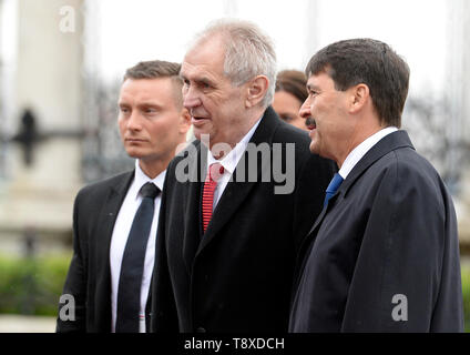 Budapest, Hungary. 15th May, 2019. Czech President Milos Zeman (center) meet with Hungarian President Janos Ader (right) on May 15, 2019, in Budapest, Hungary. Credit: Katerina Sulova/CTK Photo/Alamy Live News - Stock Photo