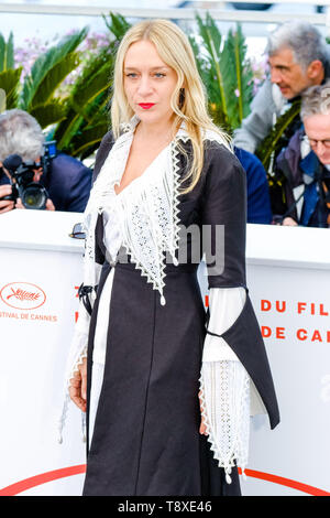 Cannes, France. 15th May, 2019. Chloe Sevigny at a photocall for The Dead Don't Die on Wednesday 15 May 2019 at the 72nd Festival de Cannes, Palais des Festivals, Cannes. Chloe Sevigny. Picture by Credit: Julie Edwards/Alamy Live News - Stock Photo