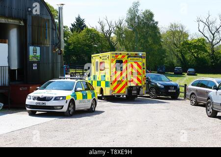 Tenterden, Kent, UK. 15th May, 2019. A Kent Surrey Sussex air ambulance has been dispatched to an incident in the town centre. Medical staff are at scene. The emergency has taken place at the Old Dairy Brewery just off the high street in the town centre. At the scene is a South East Coast ambulance and critical care car. Credit: Paul Lawrenson 2019, Photo Credit: Paul Lawrenson/Alamy Live News - Stock Photo