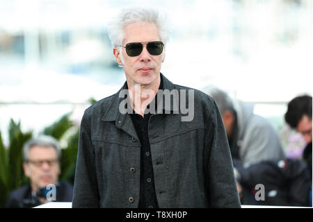 Cannes, France. 15th May, 2019. CANNES - MAY 15: Jim JARMUSCH on THE DEAD DON'T DIE Photocall during the 2019 Cannes Film Festival on May 15, 2019 at Palais des Festivals in Cannes, France. (Photo by Lyvans Boolaky/imageSPACE) Credit: Imagespace/Alamy Live News - Stock Photo