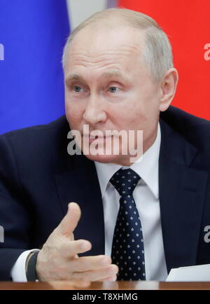 Sochi, Russia. 15th May, 2019. SOCHI, RUSSIA - MAY 15, 2019: Russia's President Vladimir Putin attends the inaugural meeting of the Sochi Dialogue Forum. Mikhail Metzel/TASS Credit: ITAR-TASS News Agency/Alamy Live News - Stock Photo