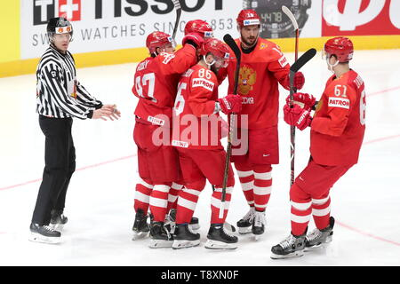 Bratislava, Slovakia. 15th May, 2019. BRATISLAVA, SLOVAKIA - MAY 15, 2019: Russian players celebrate a goal scored against Italy in their 2019 IIHF Ice Hockey World Championship Preliminary Round Group B match at the Ondrej Nepela Arena. Alexander Demianchuk/TASS Credit: ITAR-TASS News Agency/Alamy Live News - Stock Photo