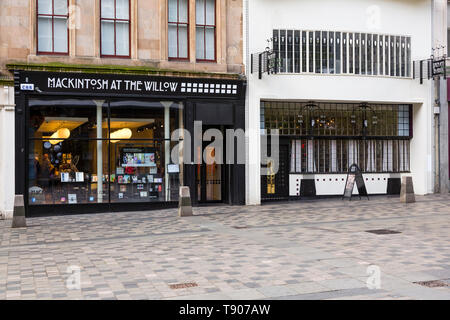 The front façade of Mackintosh at the Willow Tea Rooms and Visitor centre on Sauchiehall Street in Glasgow city centre, Scotland, UK - Stock Photo