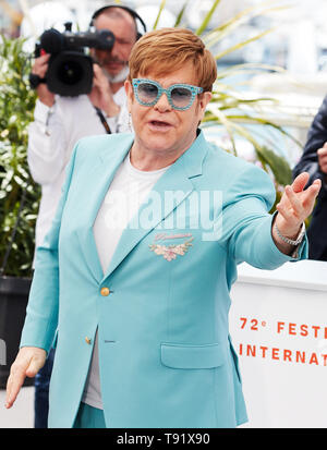 Cannes, France. 16th May, 2019. CANNES, FRANCE - MAY 17: Elton John attends the photocall for 'Rocketman' during the 72nd annual Cannes Film Festival on May 16, 2019 in Cannes, France. (Photo by Oleg Nikishin/TASS) Credit: ITAR-TASS News Agency/Alamy Live News - Stock Photo