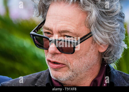 Cannes, France. 16th May, 2019. Dexter Fletcher poses at a photocall for Rocketman on Thursday 16 May 2019 at the 72nd Festival de Cannes, Palais des Festivals, Cannes. Pictured: .  Credit: Julie Edwards/Alamy Live News - Stock Photo