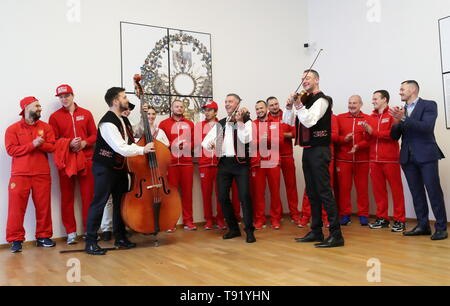 Bratislava, Slovakia. 16th May, 2019. BRATISLAVA, SLOVAKIA - MAY 16, 2019: Members of the Russian men's national ice hockey team during a sightseeing tour at the Bratislava Castle. Alexander Demianchuk/TASS Credit: ITAR-TASS News Agency/Alamy Live News - Stock Photo
