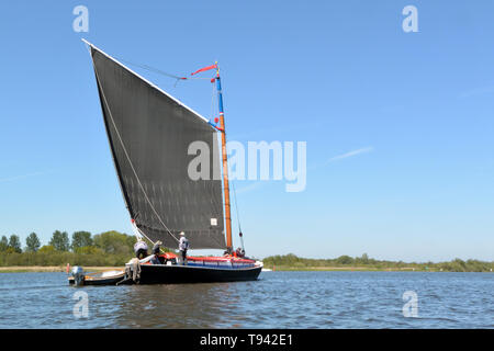 Historic trading wherry Albion under sail on Barton Broad, Broads National Park, Norfolk, UK - Stock Photo