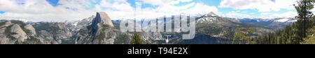Magnificent panoramic of Yosemite National Park - Stock Photo