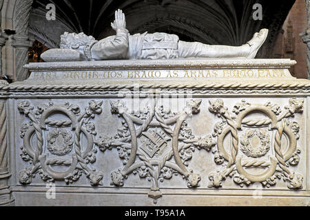 Jeronimos Monastery interior tomb of Portuguese poet Luis Vaz de Camoes (author of Os Lusíadas) tomb in Belem Lisbon, Portugal, Europe  KATHY DEWITT - Stock Photo