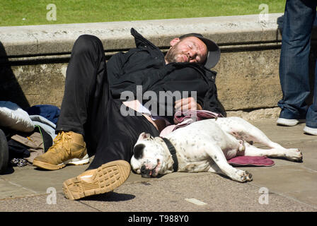 Man sleeping rough - Stock Photo