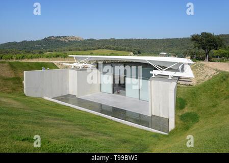 Modernist Exhibition Pavilion by Renzo Piano, built 2017, at the Domaine or Château La Coste at Le Puy-Sainte-Réparade Provence France - Stock Photo