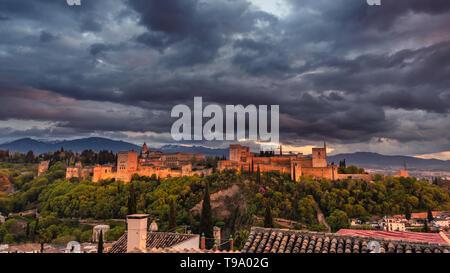 Alhambra during sunset, seen from Mirador San Nicolás