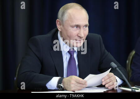 Sochi, Russia. 17th May, 2019. SOCHI, RUSSIA - MAY 17, 2019: Russia's President Vladimir Putin during a meeting with the winners of 'megagrants' for scientific research. Mikhail Metzel/TASS Credit: ITAR-TASS News Agency/Alamy Live News - Stock Photo