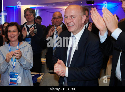 Berlin, Germany. 18th May, 2019. Kai Wegner (r), new party leader of the Berlin CDU, is happy about the election. Credit: Annette Riedl/dpa/Alamy Live News - Stock Photo
