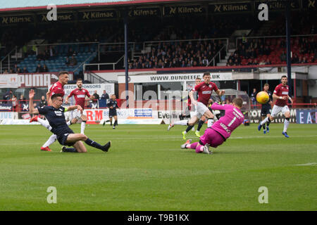 Dens Park, Dundee, UK. 18th May, 2019. Ladbrokes Premiership football, Dundee versus St Mirren; Cammy Kerr of Dundee scores past keeper Hladky for 1-0 in the 14th minute Credit: Action Plus Sports/Alamy Live News Credit: Action Plus Sports Images/Alamy Live News - Stock Photo