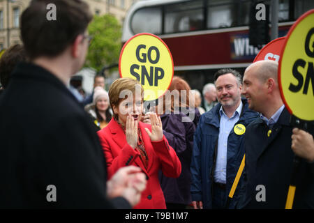 Edinburgh    May  18 2019;  First Minister Nicola Sturgeon campaigns alongside lead SNP European election candidate Alyn Smith and party activists on Leith Walk.   credit steven scott taylor / alamy live news - Stock Photo