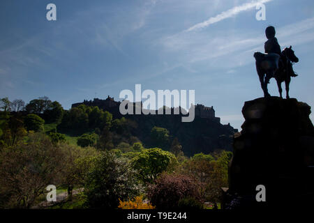 A statue of a Royal Scots Grey on horseback by the Edinburgh Castle, Scotland in summer - Stock Photo