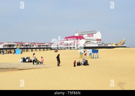 Great Yarmouth, Norfolk, England - 18 May 2019: uk weather - as the sun briefly breaks through the mist, Great Yarmouth looks as pretty as a postcard as children enjoy donkey rides on the golden sands Credit: Kay Roxby/Alamy Live News Credit: Kay Roxby/Alamy Live News - Stock Photo