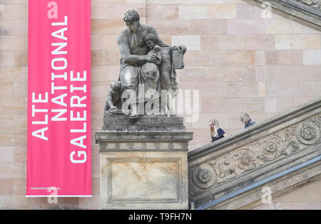 Beijing, Germany. 17th May, 2019. Two visitors walk downstairs outside the Alte Nationalgalerie (Old National Gallery) at Museum Island in Berlin, capital of Germany, on May 17, 2019. Credit: Shan Yuqi/Xinhua/Alamy Live News