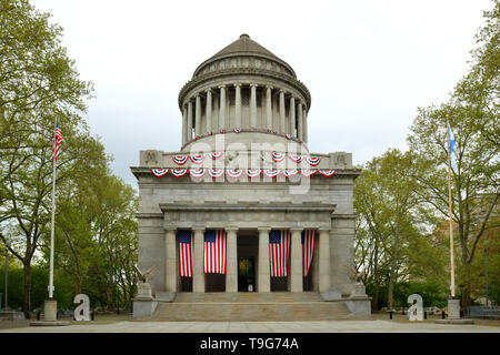Grant Tomb, known as General Grant National Memorial, final resting place of Ulysses Grant, 18th President of United States, and his wife, Julia Grant - Stock Photo