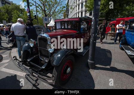 Berlin, Germany. 18th May, 2019. Classic Car Days Berlin 2019 Credit: Beata Siewicz/Pacific Press/Alamy Live News - Stock Photo