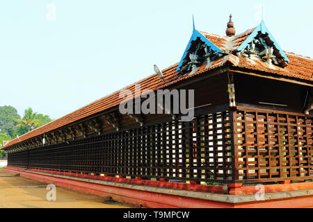 Thirumoozhikkulam Lakshmanaperumal Temple at Moozhiklulam near Aluva and Angamaly, Ernakulam dist. Kerala. One of the fours major temples where devotees visit as part of 'Nalambala darsan' - Stock Photo