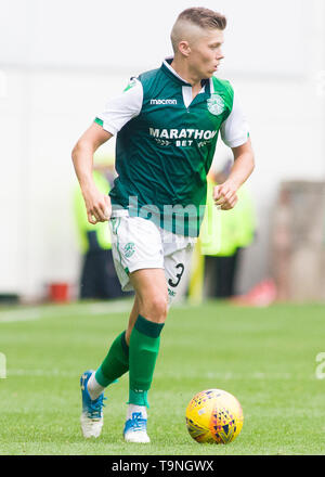 Edinburgh, UK. May 19 2019. Fraser Murray of Hibernian during the Ladbrokes Premiership match between Hibernian and Aberdeen at Easter Road on May 19 2019 in Edinbugh, UK. Editorial use only, licence required for commercial use. No use in Betting, games or a single club/league/player publication. Credit: Scottish Borders Media/Alamy Live News - Stock Photo