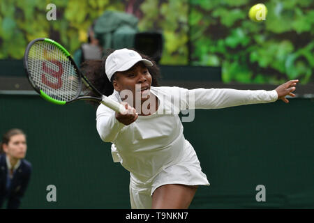 London, UK. 19th May, 2019. Venus Williams attends an exhibition match against Kim Clijsters at the Wimbledon No. 1 Court Celebration in support of the Wimbledon Foundation in London, Britain on May 19, 2019. Credit: Ray Tang/Xinhua/Alamy Live News - Stock Photo