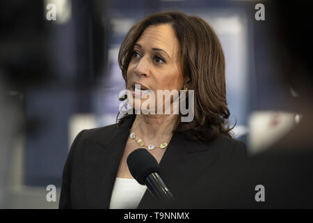 Los Angeles, CA, USA. 23rd Mar, 2019. Democratic presidential candidate, U.S. Senator Kamala Harris (D-CA), seen speaking to the media following a campaign rally in Los Angeles. This was Harris's first campaign rally in Los Angeles since she announced her candidacy for the President of the United States. Credit: Ronen Tivony/SOPA Images/ZUMA Wire/Alamy Live News - Stock Photo