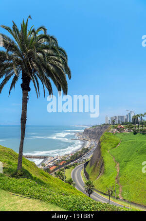 Lima, Miraflores. View of Miraflores from Parque Intihuatana on the clifftops overlooking the Pacific Ocean, Lima, Peru, South America - Stock Photo