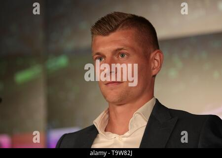 Madrid, Spain; 20/05/2019. Press conference Real Madrid CF and Toni Kroos have agreed to extend the player's contract, which remains linked to the club until June 30, 2023. And director of institutional relations of the club Emilio Butragueño. Santiago Bernabeu stadium. Photo: Juan Carlos Rojas/Picture Alliance | usage worldwide - Stock Photo