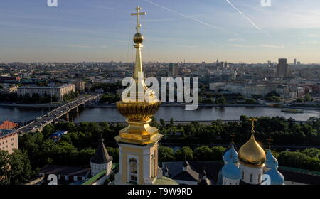 Moscow, Russia. 20th May, 2019. MOSCOW, RUSSIA - MAY 20, 2019: A view of cupolas of the Novospassky Monastery. Sergei Bobylev/TASS Credit: ITAR-TASS News Agency/Alamy Live News - Stock Photo