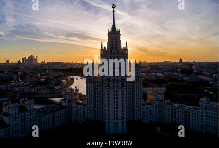 Moscow, Russia. 20th May, 2019. MOSCOW, RUSSIA - MAY 20, 2019: A view of the Kotelnicheskaya Embankment Building. Sergei Bobylev/TASS Credit: ITAR-TASS News Agency/Alamy Live News - Stock Photo