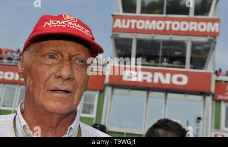 FILE: 21st May 2019. Former Formula One driver Niki Lauda passed away peacefully this morning aged 70. Photo taken: Brno, Czech Republic. 16th Aug, 2015. Austrian former Formula One driver Niki Lauda visits Grand Prix of the Czech Republic 2015, Czech Republic, August 16, 2015, Brno, Czech Republic. Credit: Vaclav Salek/CTK Photo/Alamy Live News - Stock Photo