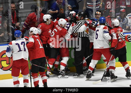 Bratislava, Slovakia. 21st May, 2019. A skirmish during the match between Czech Republic and Switzerland within the 2019 IIHF World Championship in Bratislava, Slovakia, on May 21, 2019. Credit: Vit Simanek/CTK Photo/Alamy Live News - Stock Photo