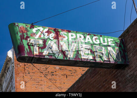 Sign for The Sprague Tavern, now closed, in Sprague, Washington State, USA [No property release: available only for editorial licensing] - Stock Photo