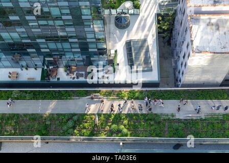 The high line, urban park redeveloped from an abandoned elevated rail line in Chelsea, Manhattan New york city, NY / USA - Stock Photo