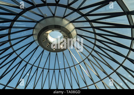Views of the roof of the Gherkin building in London. Photo date: Tuesday, May 21, 2019. Photo: Roger Garfield/Alamy - Stock Photo