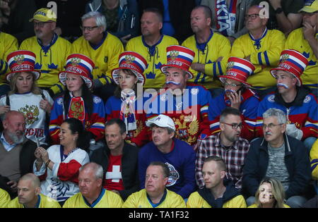 Bratislava, Slovakia. 21st May, 2019. BRATISLAVA, SLOVAKIA - MAY 21, 2019: Fans during the 2019 IIHF Ice Hockey World Championship Preliminary Round Group B match between Sweden and Russia at Ondrej Nepela Arena. Alexander Demianchuk/TASS Credit: ITAR-TASS News Agency/Alamy Live News - Stock Photo