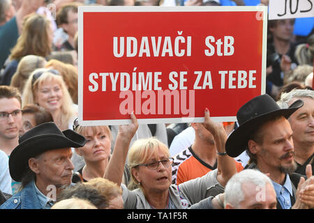 Prague, Czech Republic. 21st May, 2019. About 50,000 people joined another protest held by Million Moments for Democracy NGO, demanding resignation of Justice Minister Marie Benesova and against Prime Minister Andrej Babis, at Wenceslas Square, Prague, Czech Republic, on Wednesday, May 21, 2019. Credit: Ondrej Deml/CTK Photo/Alamy Live News - Stock Photo