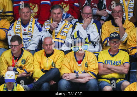 Bratislava, Slovakia. 21st May, 2019. BRATISLAVA, SLOVAKIA - MAY 21, 2019: Swedish fans during the 2019 IIHF Ice Hockey World Championship Preliminary Round Group B match between Sweden and Russia at Ondrej Nepela Arena. Alexander Demianchuk/TASS Credit: ITAR-TASS News Agency/Alamy Live News - Stock Photo